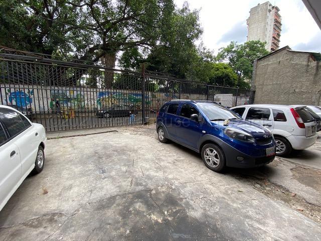 Local Comercial Distrito Metropolitano>Caracas>Quinta Crespo - Venta:47.000 Precio Referencial - codigo: 20-24512