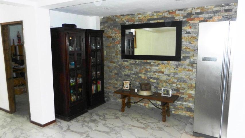 Casa Distrito Metropolitano>Caracas>Monte Claro - Venta:67.000 Precio Referencial - codigo: 20-24489