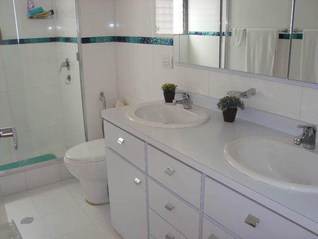 Apartamento Distrito Metropolitano>Caracas>Country Club - Alquiler:3.500 Precio Referencial - codigo: 20-24518