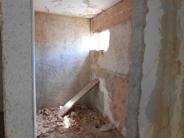 Casa Carabobo>Valencia>Trigal Norte - Venta:55.000 Precio Referencial - codigo: 20-24555