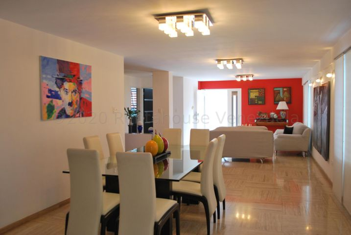 Casa Distrito Metropolitano>Caracas>Terrazas del Club Hipico - Venta:550.000 Precio Referencial - codigo: 20-24570