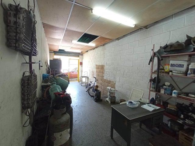 Local Comercial Carabobo>Valencia>San Blas - Venta:60.000 Precio Referencial - codigo: 20-20766