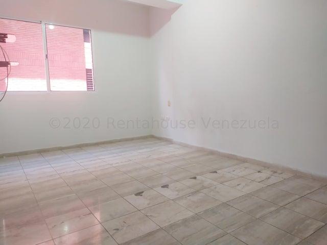 Apartamento Lara>Barquisimeto>Nueva Segovia - Alquiler:400 Precio Referencial - codigo: 20-24591