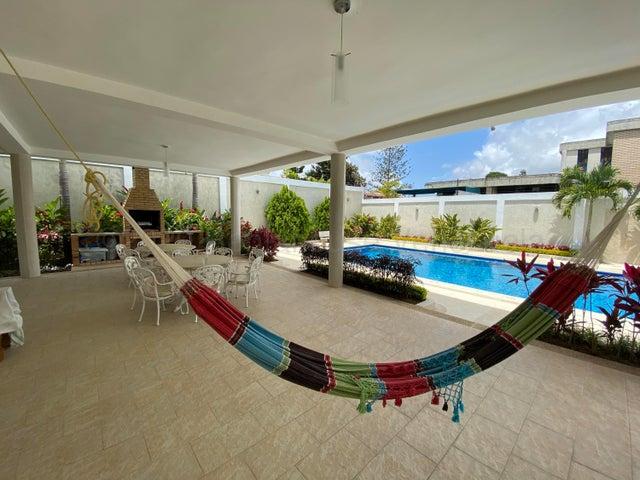 Casa Distrito Metropolitano>Caracas>Colinas de Bello Monte - Venta:1.500.000 Precio Referencial - codigo: 20-24618