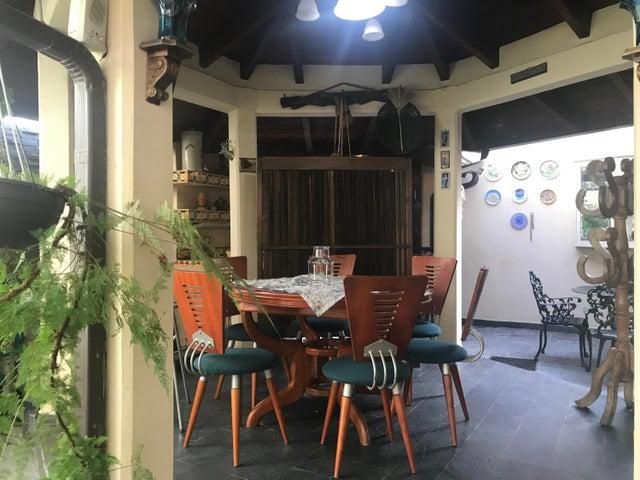 Casa Miranda>Carrizal>Colinas de Carrizal - Venta:400.000 Precio Referencial - codigo: 20-24657
