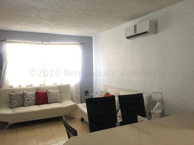 Casa Falcon>Punto Fijo>Puerta Maraven - Venta:29.900 Precio Referencial - codigo: 20-24669