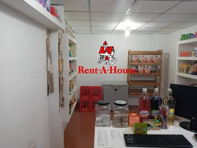 Local Comercial Tachira>San Cristobal>Avenida Ferro Tamayo - Venta:28.000 Precio Referencial - codigo: 20-24702