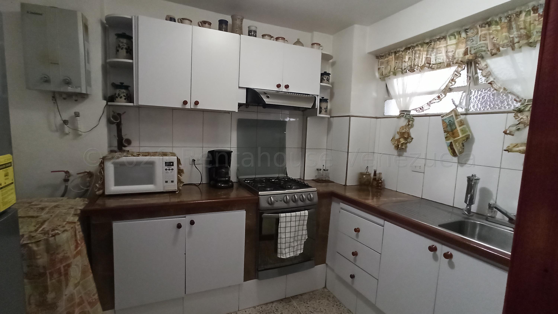 Apartamento Distrito Metropolitano>Caracas>Parroquia Santa Rosalia - Venta:20.000 Precio Referencial - codigo: 20-3437