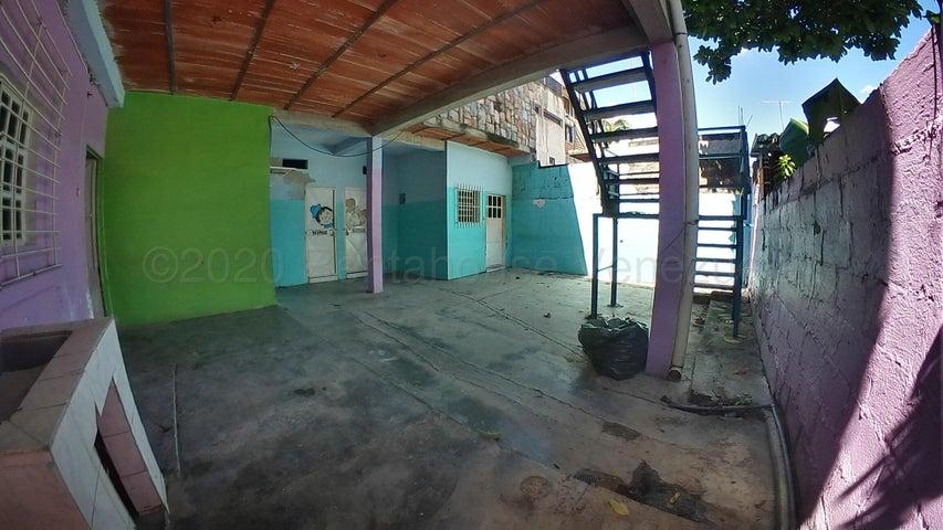 Casa Carabobo>Municipio Naguanagua>Tarapio - Venta:25.000 Precio Referencial - codigo: 20-24808