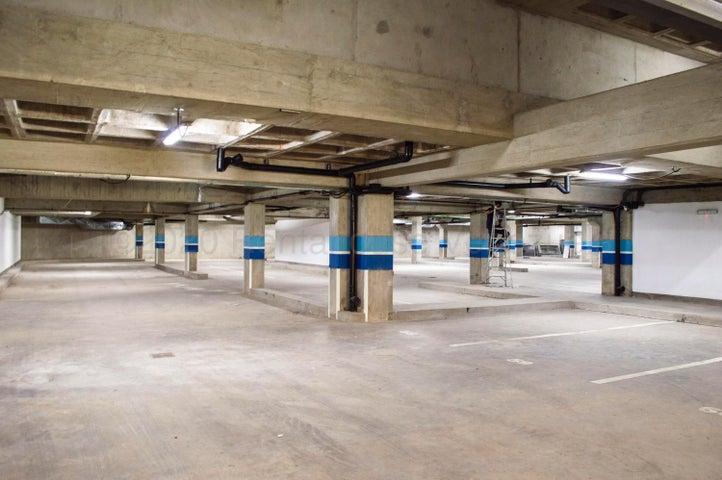 Apartamento Distrito Metropolitano>Caracas>Altamira - Venta:1.145.000 Precio Referencial - codigo: 20-24598