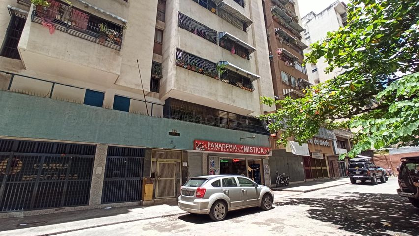 Apartamento Distrito Metropolitano>Caracas>Parroquia Santa Rosalia - Venta:25.000 Precio Referencial - codigo: 20-3437