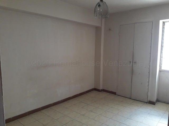 Apartamento Aragua>Maracay>Zona Centro - Venta:15.000 Precio Referencial - codigo: 20-24981