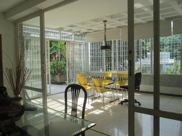 Casa Distrito Metropolitano>Caracas>San Roman - Alquiler:750 Precio Referencial - codigo: 20-25045