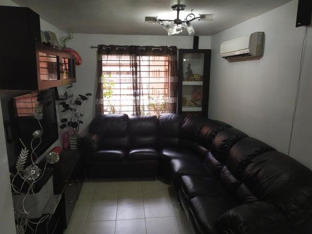 Apartamento Distrito Metropolitano>Caracas>Sabana Grande - Venta:45.000 Precio Referencial - codigo: 21-98