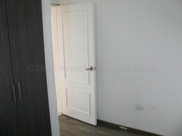 Apartamento Distrito Metropolitano>Caracas>Colinas de La Tahona - Venta:90.000 Precio Referencial - codigo: 20-21405