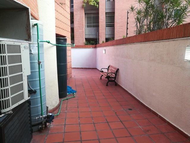 Apartamento Distrito Metropolitano>Caracas>Campo Alegre - Alquiler:3.000 Precio Referencial - codigo: 21-155