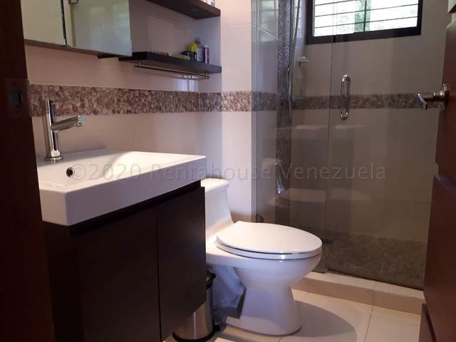 Apartamento Distrito Metropolitano>Caracas>Solar del Hatillo - Venta:250.000 Precio Referencial - codigo: 21-169