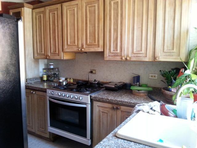 Apartamento Zulia>Maracaibo>La Lago - Venta:45.000 Precio Referencial - codigo: 21-331