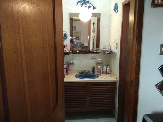 Casa Distrito Metropolitano>Caracas>El Marques - Venta:500.000 Precio Referencial - codigo: 21-346