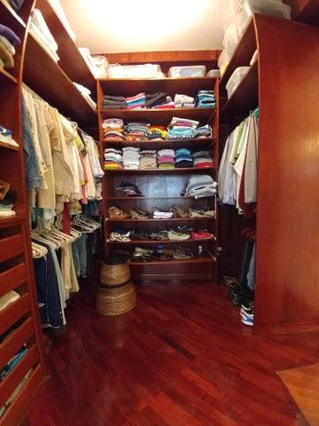 Apartamento Distrito Metropolitano>Caracas>Miranda - Alquiler:1.250 Precio Referencial - codigo: 21-355