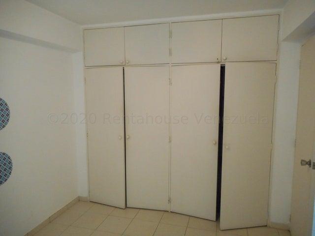 Apartamento Carabobo>Valencia>Sabana Larga - Venta:20.500 Precio Referencial - codigo: 21-394