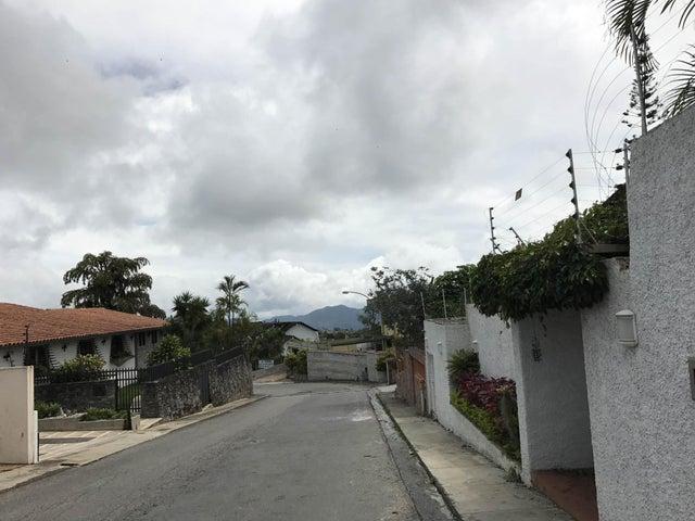 Terreno Distrito Metropolitano>Caracas>La Lagunita Country Club - Venta:180.000 Precio Referencial - codigo: 21-487