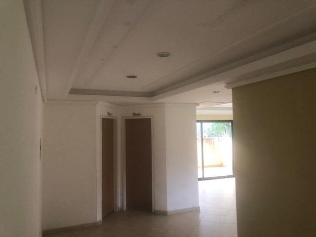 Apartamento Carabobo>Municipio Naguanagua>Palma Real - Venta:38.000 Precio Referencial - codigo: 21-497