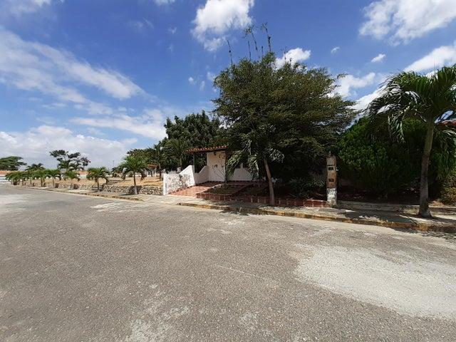 Casa Lara>Cabudare>La Piedad Norte - Venta:17.900 Precio Referencial - codigo: 21-578