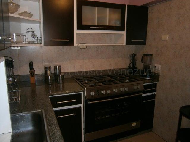 Apartamento Carabobo>Valencia>Avenida Bolivar Norte - Venta:18.000 Precio Referencial - codigo: 21-615