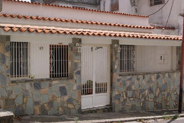 Casa Distrito Metropolitano>Caracas>El Paraiso - Venta:56.000 Precio Referencial - codigo: 21-622