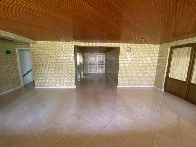 Apartamento Distrito Metropolitano>Caracas>San Bernardino - Venta:70.000 Precio Referencial - codigo: 21-845