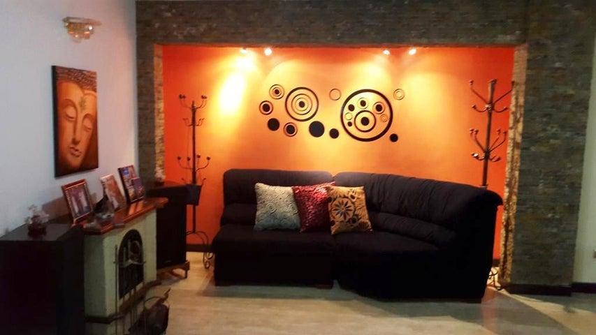 Casa Distrito Metropolitano>Caracas>Terrazas del Club Hipico - Alquiler:2.900 Precio Referencial - codigo: 21-879