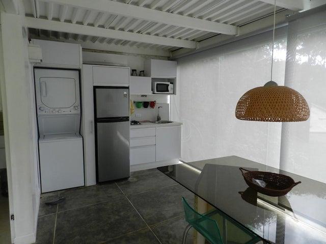 Casa Distrito Metropolitano>Caracas>Alto Hatillo - Venta:250.000 Precio Referencial - codigo: 21-983