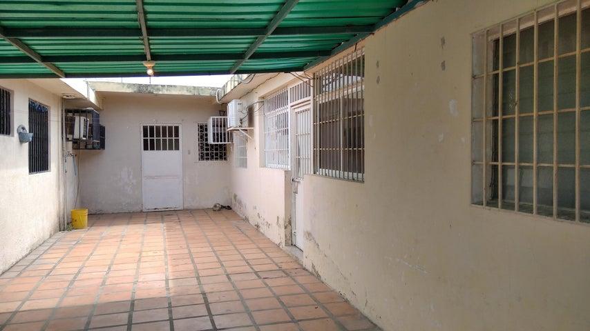 Casa Zulia>Maracaibo>La Floresta - Alquiler:100 Precio Referencial - codigo: 21-1126