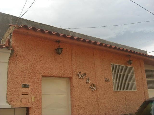 Casa Miranda>Guatire>El Castillejo - Venta:32.000 Precio Referencial - codigo: 21-1128