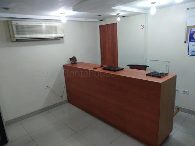 Local Comercial Distrito Metropolitano>Caracas>Montalban II - Venta:150.000 Precio Referencial - codigo: 21-1163