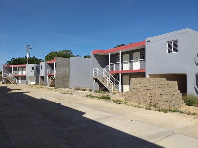 Apartamento Falcon>Coro>Centro - Venta:10.000 Precio Referencial - codigo: 21-1200
