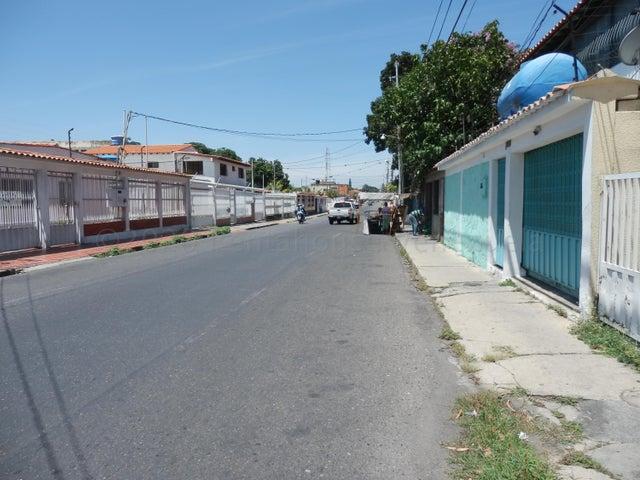 Anexo Lara>Barquisimeto>Parroquia Concepcion - Alquiler:90 Precio Referencial - codigo: 21-1207