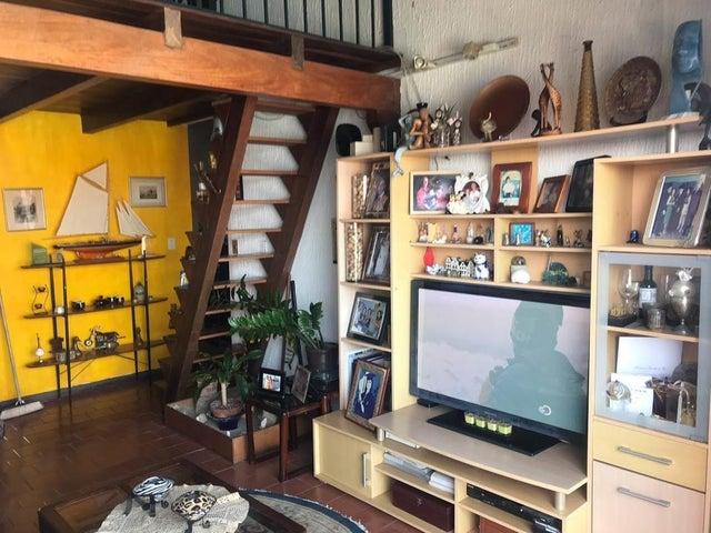 Apartamento Vargas>Parroquia Caraballeda>La Llanada - Venta:60.000 Precio Referencial - codigo: 21-1237