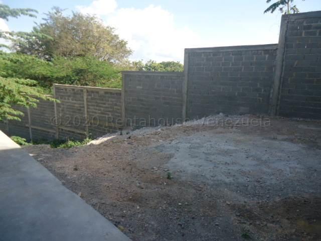 Casa Lara>Barquisimeto>Parroquia Santa Rosa - Alquiler:350 Precio Referencial - codigo: 21-1389
