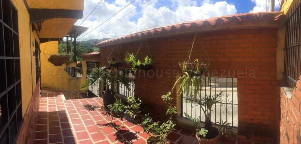 Casa Miranda>Los Teques>Los Teques - Venta:25.000 Precio Referencial - codigo: 21-1425