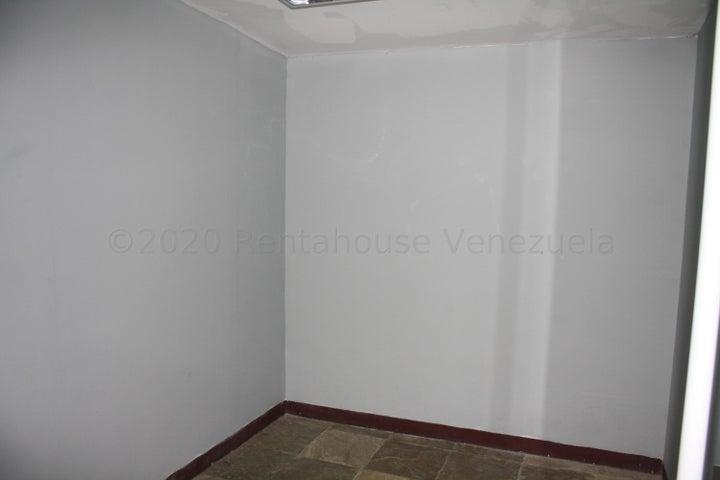 Casa Distrito Metropolitano>Caracas>Chuao - Alquiler:3.750 Precio Referencial - codigo: 21-1516