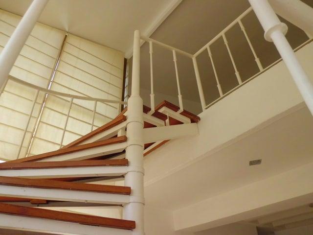 Apartamento Carabobo>Valencia>Campo Alegre - Venta:47.000 Precio Referencial - codigo: 21-1490