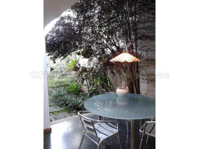 Casa Distrito Metropolitano>Caracas>Las Esmeraldas - Venta:550.000 Precio Referencial - codigo: 21-1693