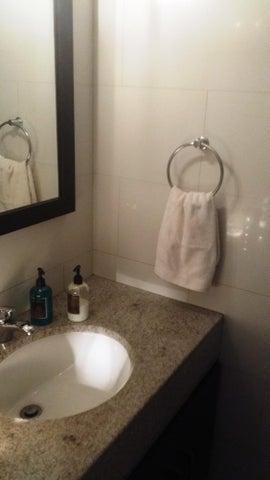 Apartamento Distrito Metropolitano>Caracas>La Castellana - Venta:160.000 Precio Referencial - codigo: 21-1704