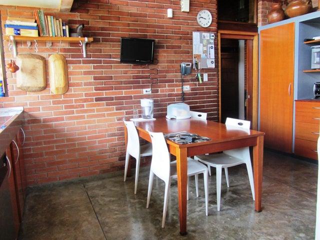 Casa Distrito Metropolitano>Caracas>Cerro Verde - Venta:2.000.000 Precio Referencial - codigo: 21-1724