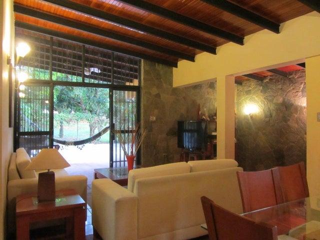Casa Distrito Metropolitano>Caracas>El Marques - Venta:250.000 Precio Referencial - codigo: 21-1742
