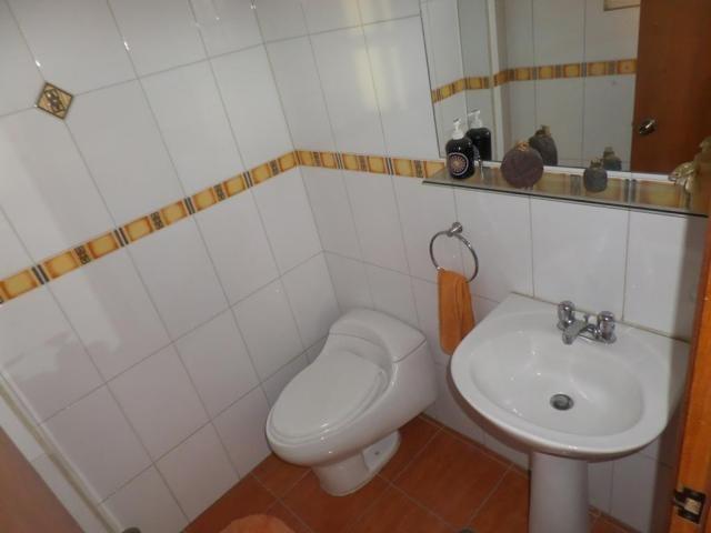 Casa Distrito Metropolitano>Caracas>Colinas de Santa Monica - Venta:180.000 Precio Referencial - codigo: 21-1781