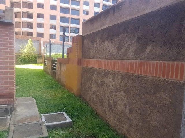Apartamento Distrito Metropolitano>Caracas>Colinas de La Tahona - Venta:66.900 Precio Referencial - codigo: 21-1800