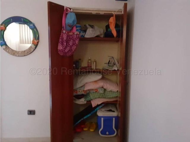 Apartamento Falcon>Tucacas>Tucacas - Venta:16.000 Precio Referencial - codigo: 21-1822